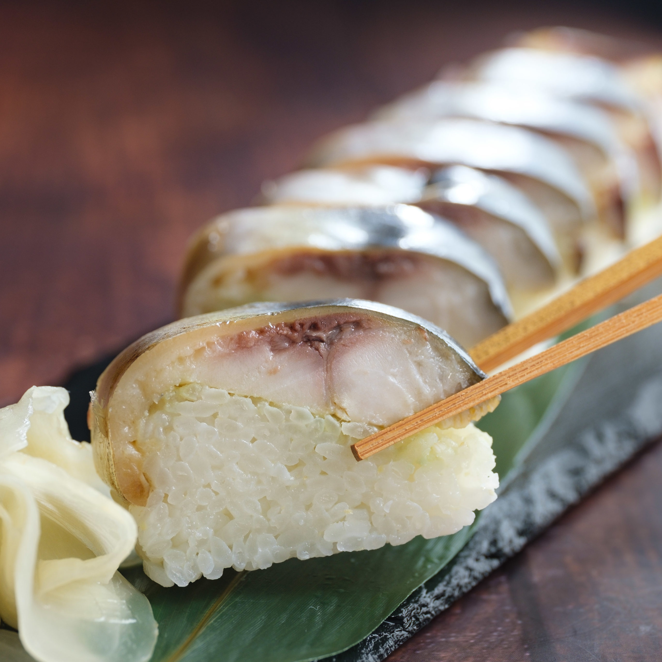 とろ鯖燻製押し寿司2